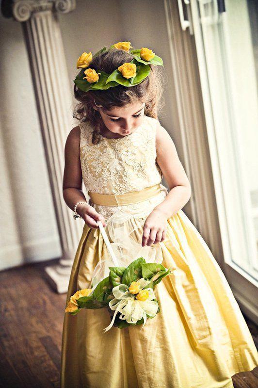 gaun kuning, manis!