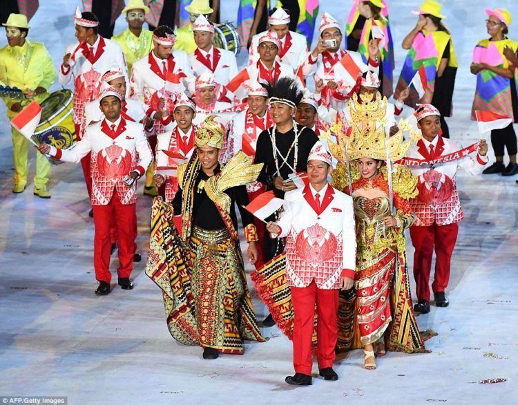 Parade kontingen Indonesia