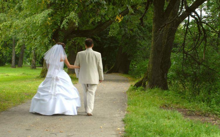 siapa bilang umur jadi patokan menikah.