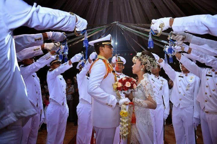 15 Foto Inspirasi Pernikahan Pedang Pora Tak Bingung Lagi
