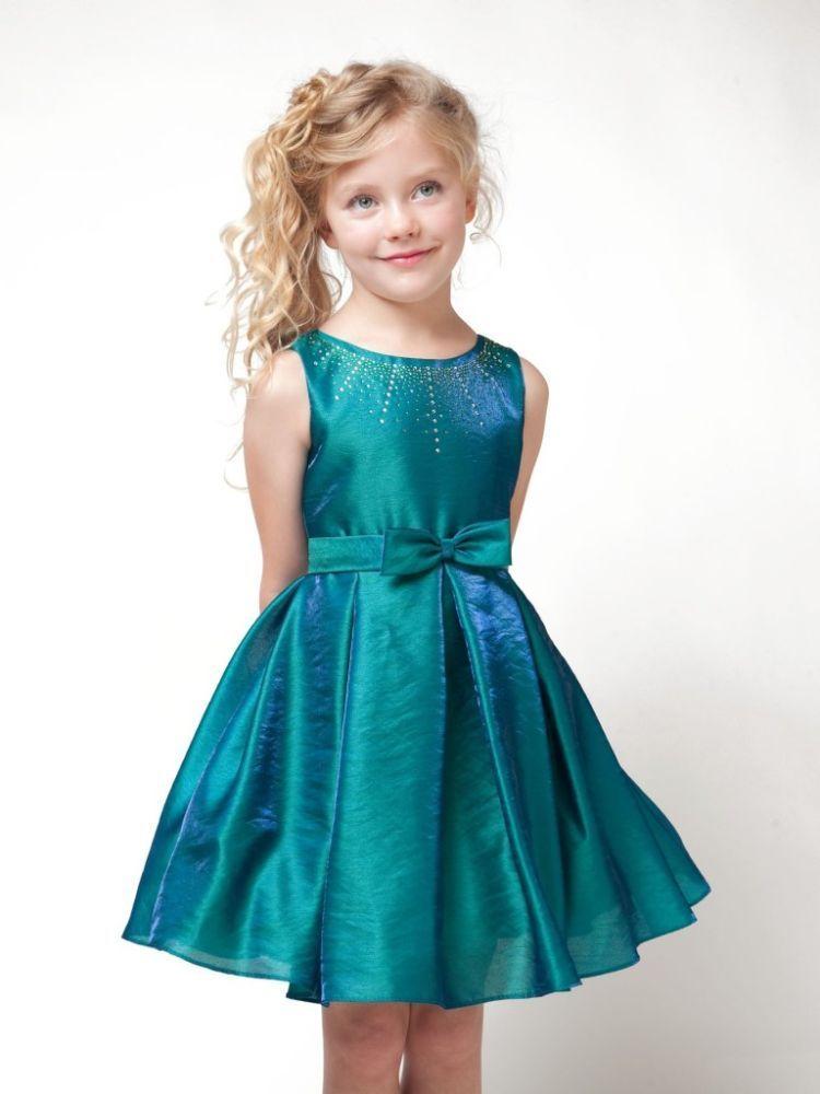 gaun hijaunya itu lhooo~