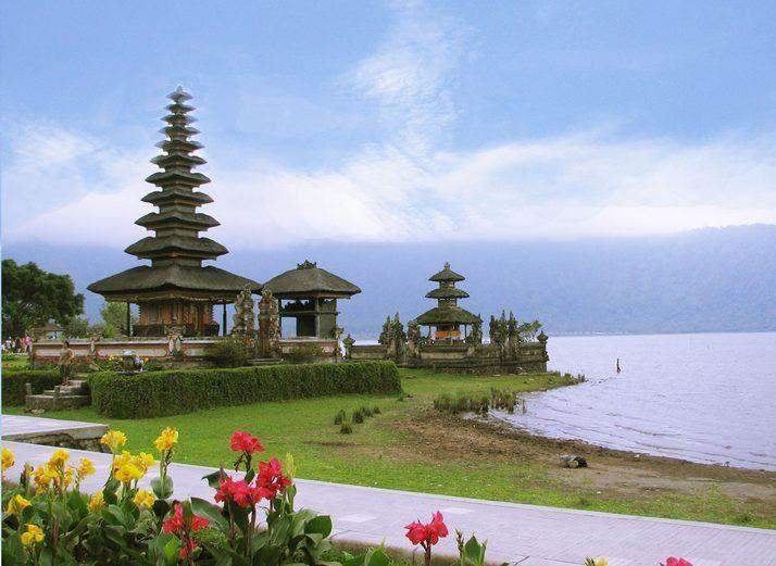 Cantiknya Bali bikin banyak warga dunia jatuh cinta.