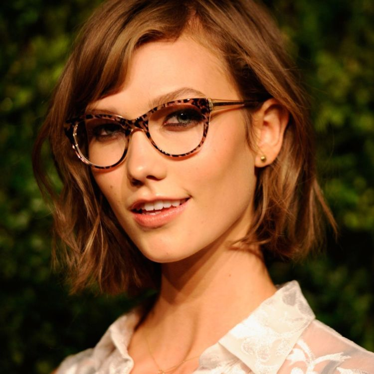 Pictures-Female-Celebrities-Wearing-Glasses