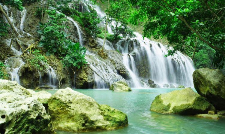 Air Terjun Lapopu yang menyegarkan
