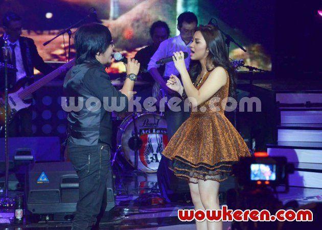 duet bareng ari lasso