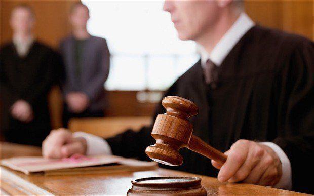 Hukum adalah bidang pekerjaan yang lapangan kerjanya luas dan menjanjikan.