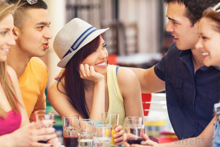 Kamu yang peka pada lingkungan sekitar akan mudah beradaptasi dengan orang baru.