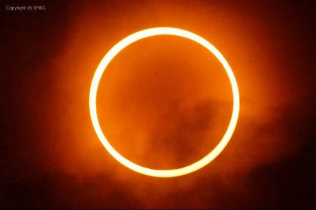 Gerhana Matahari Cincin~