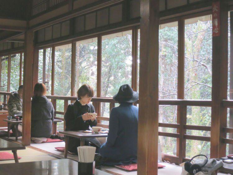 Ngopi yang cozy di Kyoto.