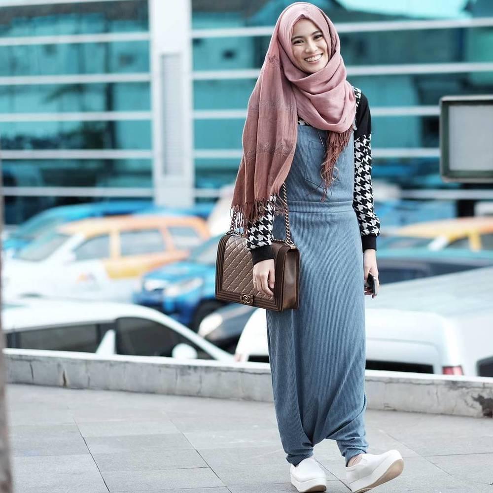 Gaya Para Hijabers Yang Patut Kamu Contek Agar Tampil Lebih Fashionable