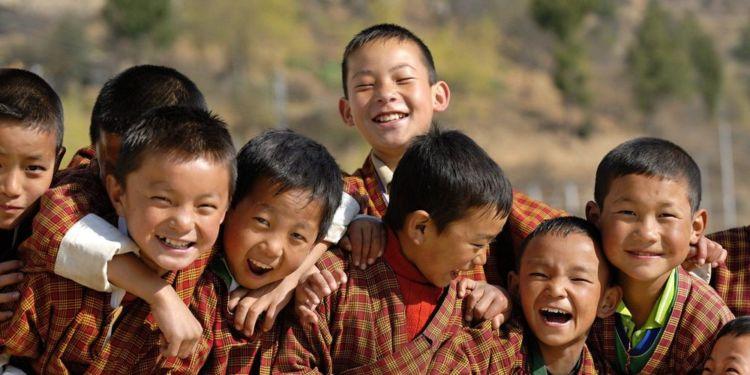 Senyumnya anak-anak Bhutan.