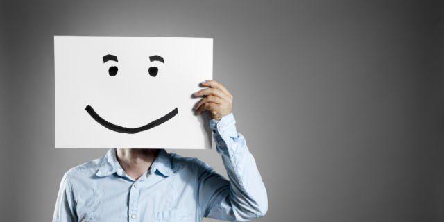 Happy terus pasti ada perasaan yang kamu sembunyikan