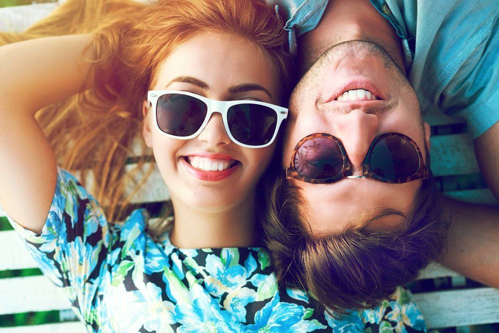 Tertawakan situasi saat kondisi mepet sekali (Via Shutterstock)