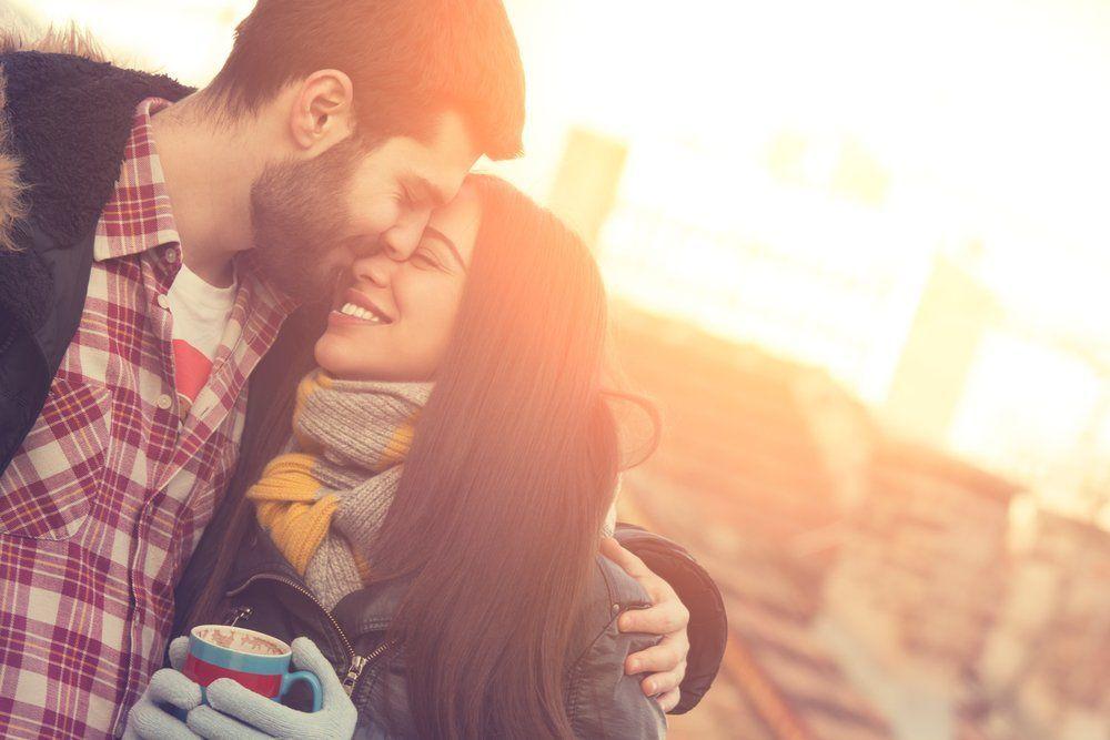 Lenganku selalu bisa jadi tempatmu pulang (Via Shutterstock)