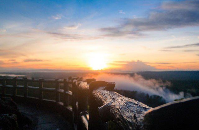Sunset sunrise bisa kok kamu nikmatin disini