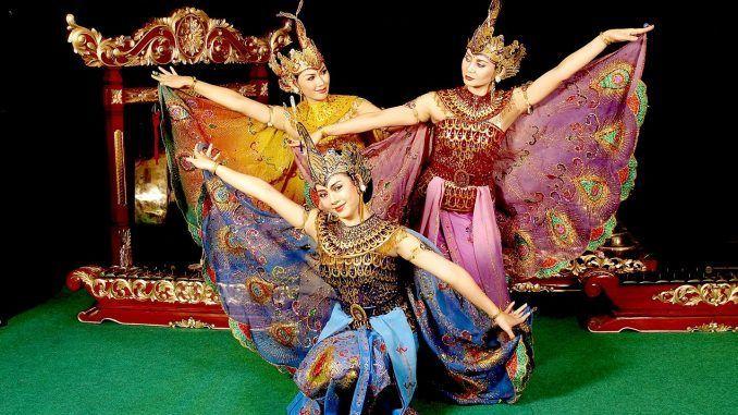 9 Tarian Tradisional dari Jawa Barat yang Harus Dipertahankan