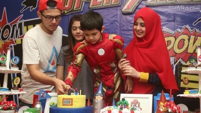 Risty dan Rizki kompak di ulang tahun anak