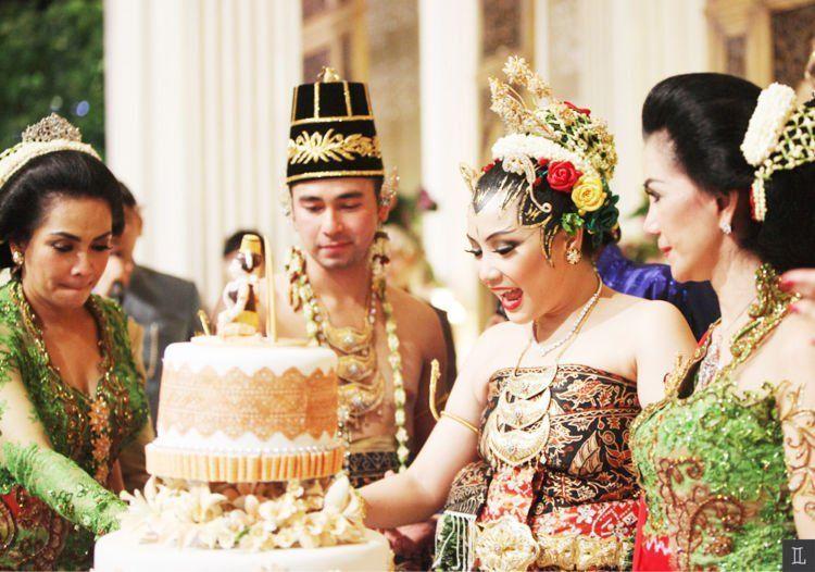 pernikahan suro