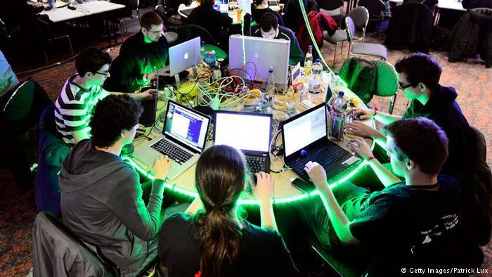 Panas dari penggunaan komputer ini lantas digunakan untuk memanaskan ruang.