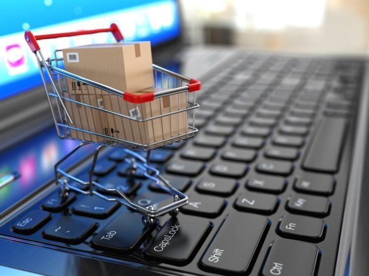 Mumpung perkembangan e-commerce di Indonesia tengah pesat-pesatnya.