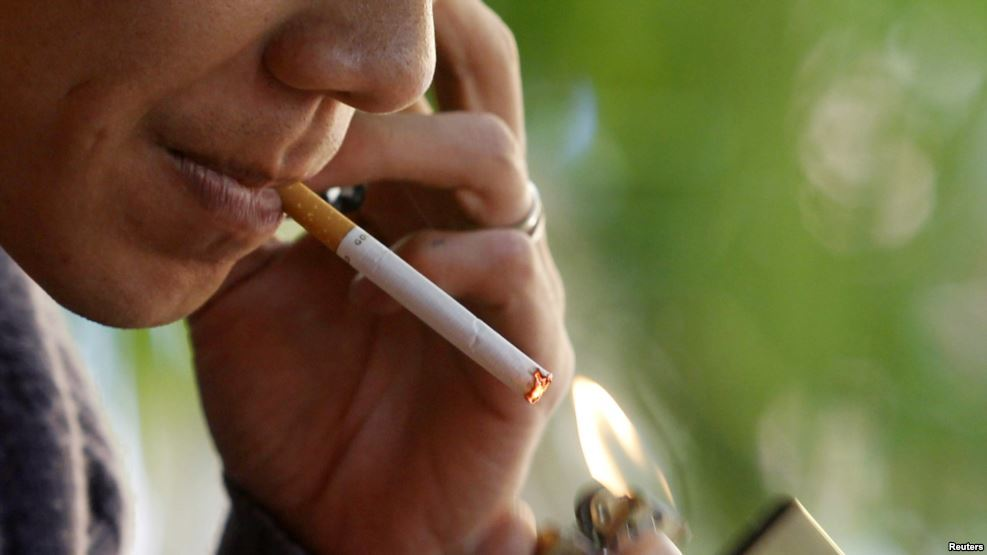 Kalau sakit, rokoknya mentol?