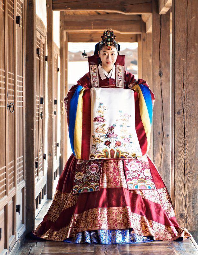 hanbok yang sering dipakai di pernikahan raja-raja Korea