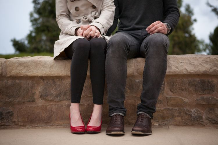 Kepercayaan dan kejujuran adalah landasan hubungan yang serius