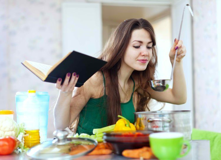 Pintar masak bakal bikin peluang kamu jadi pendamping hidupnya semakin besar