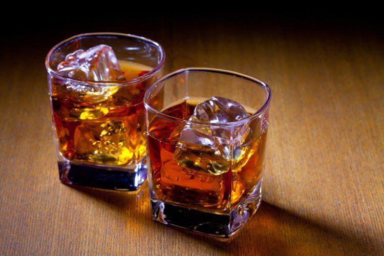 Dua gelas.
