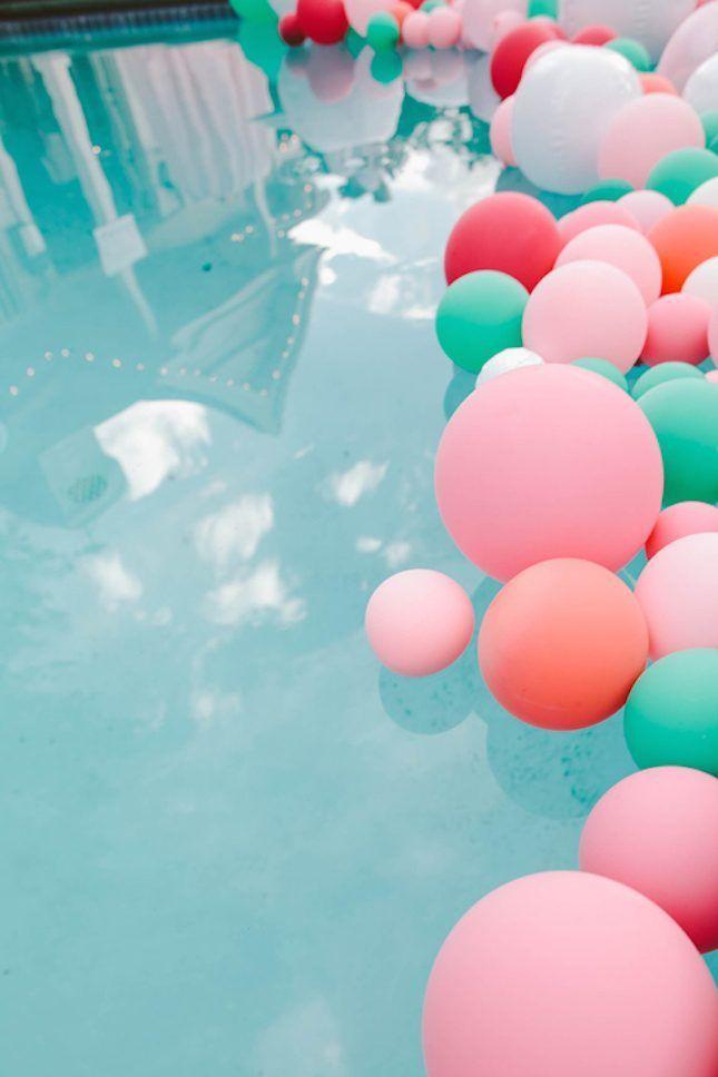 hias dengan balon warna-warni