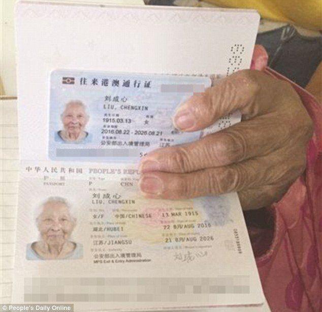 Setelah paspor ada, Nenek Liu siap jalan!
