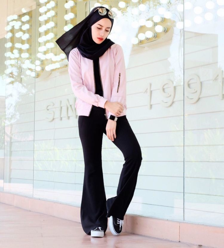 hitam-pink.