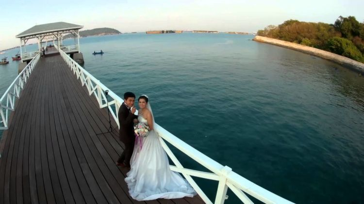 jembatan di pelabuhan