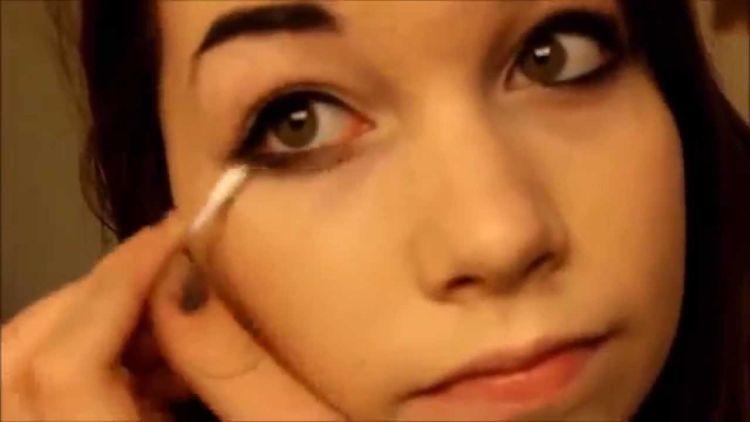 Make up harusnya cuma buat hiasan doang