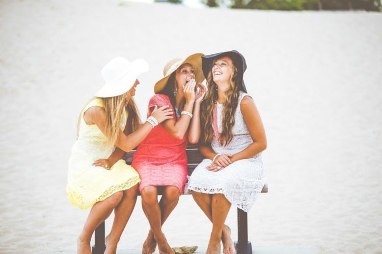 Bersama teman-teman, hidupmu tak pernah kesepian.