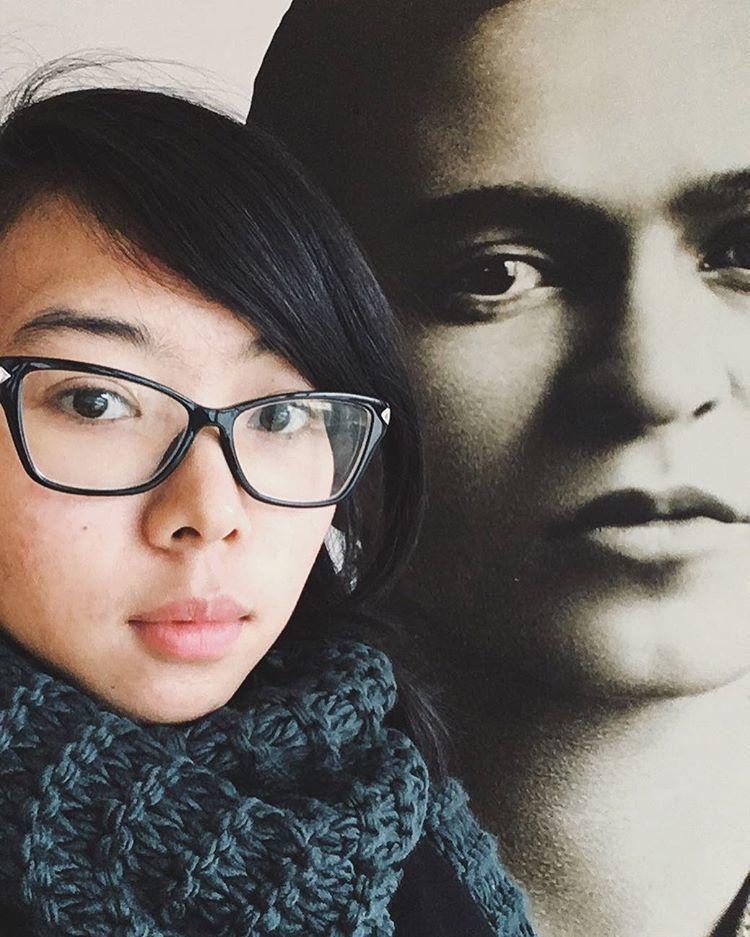 Rara kini tengah melanjutkan studinya di Selandia Baru.