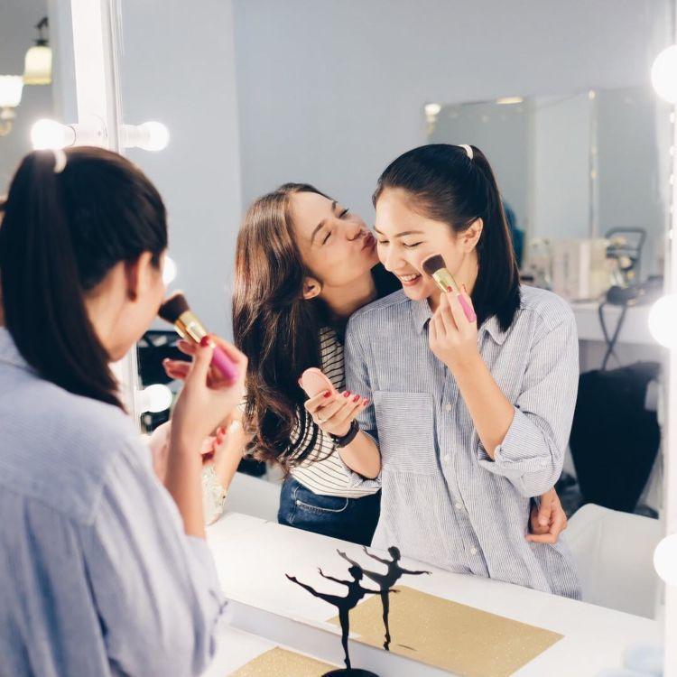 nggak usah bingung soal makeup-nya