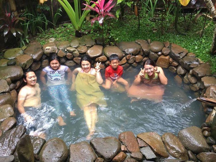 pemandian air panas di Gunung Pancar