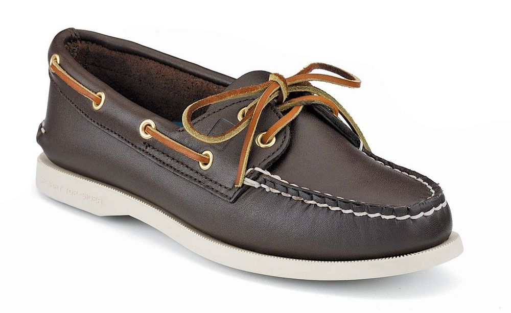 Punya boat shoes nggak?