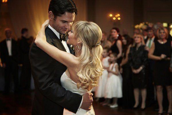 dansa pertama sebagai suami-istri