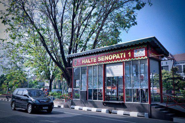 Halte Transjak Jl. Senopati