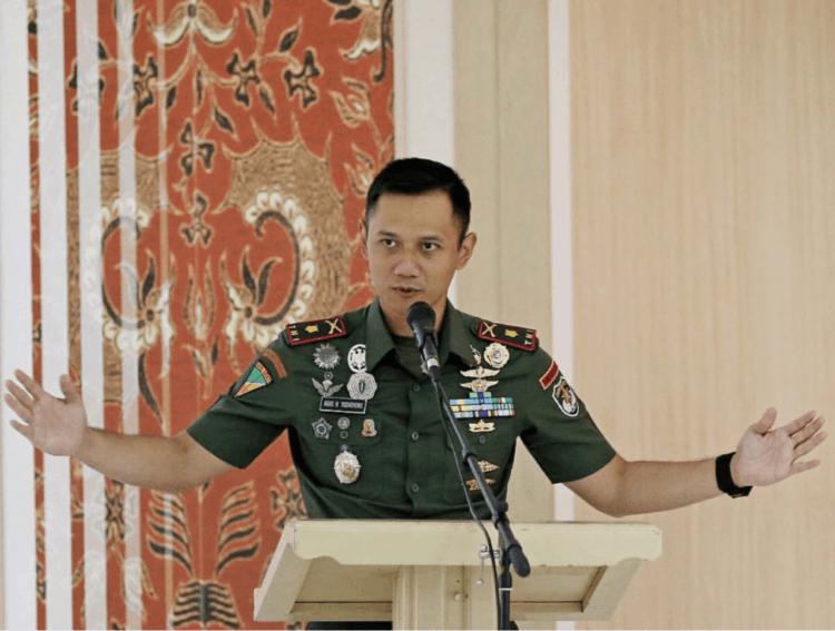 Paling penting bertanya apa visi dan misinya mas dalam memimpin Jakarta