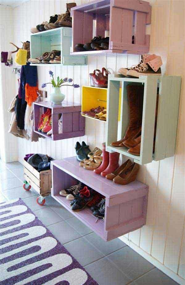 rak sepatu dari keranjang bekas