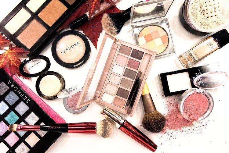 toraphotography-productphotographymontreal-makeupproductslayout