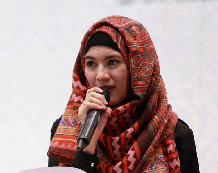 Pemakaian inner dan jilbab berhari-hari