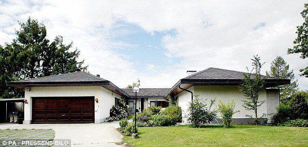 Rumah Ingvar yang biasa aja di Swiss.