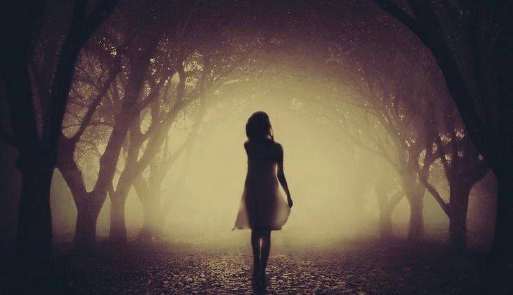 Aku Si Gadis Biasa Yang Takut Jatuh Cinta Lagi Dengan