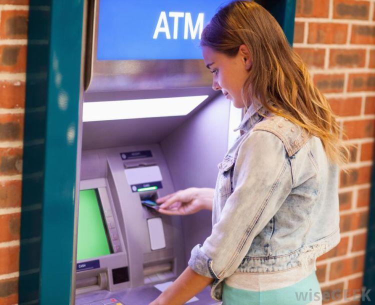 """mesin """"pencetak"""" uang ada dimana-mana"""