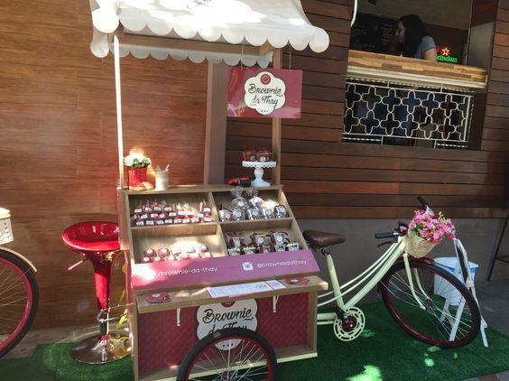 Kamu bisa jualan kue dengan food bike ini.