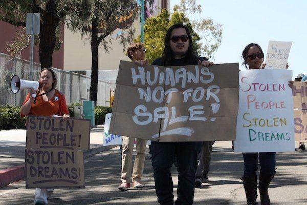 Manusia bukan untuk diperdagangkan!